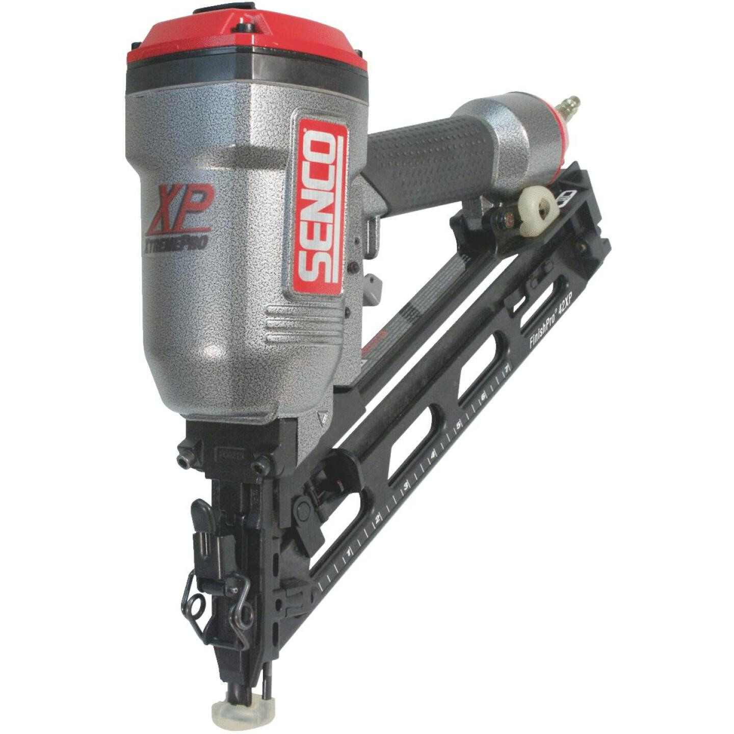 Senco FinishPro 42XP 15-Gauge 2-1/2 In. Angled Finished Nailer Image 3